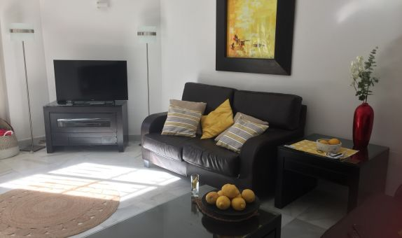 For long-term let: 3 bedroom house / villa in Puerto Banus