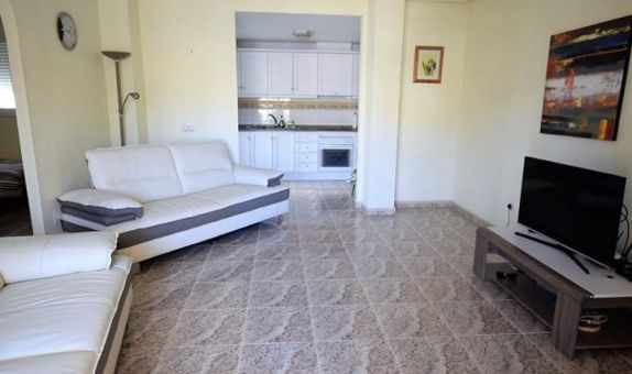 For sale: 2 bedroom apartment / flat in Las Filipinas