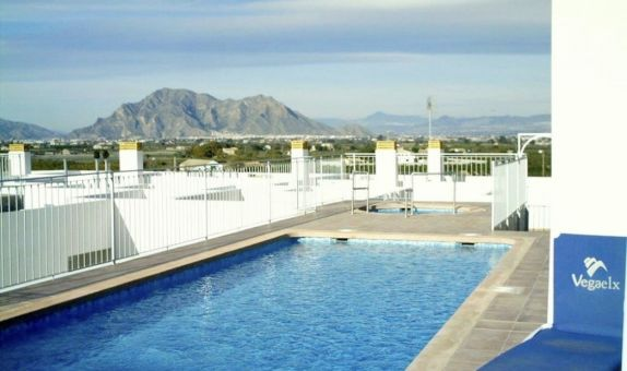 For long-term let: 2 bedroom apartment / flat in Almoradí