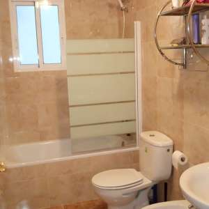 2 bedroom apartment / flat for long-term let in Torrevieja, Costa Blanca