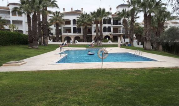 For short-term let: 1 bedroom apartment / flat in Villamartin