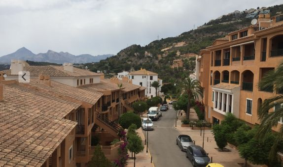 For long-term let: 2 bedroom apartment / flat in Altea, Costa Blanca