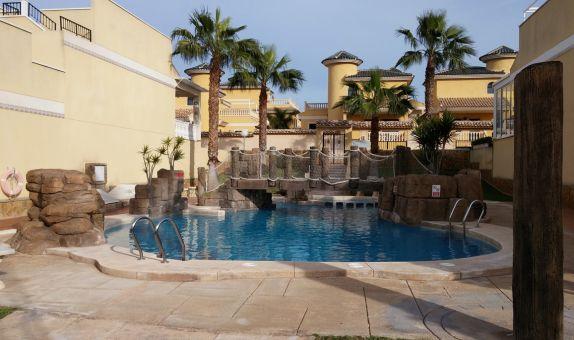 For sale: 4 bedroom house / villa in Lo Crispin