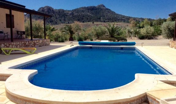 For sale: 6 bedroom house / villa in Villena