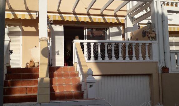 For long-term let: 2 bedroom house / villa in Guardamar del Segura