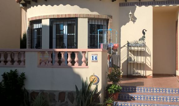 For sale: 3 bedroom house / villa in El Raso