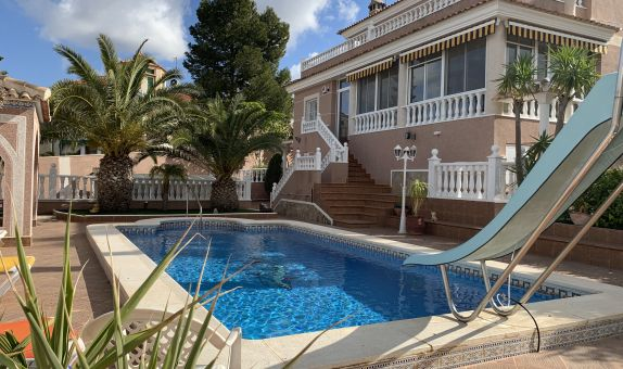For sale: 4 bedroom house / villa in Algorfa