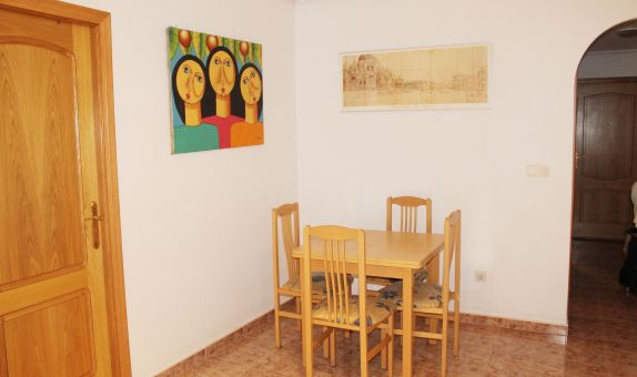 For long-term let: 2 bedroom apartment / flat in Torrevieja