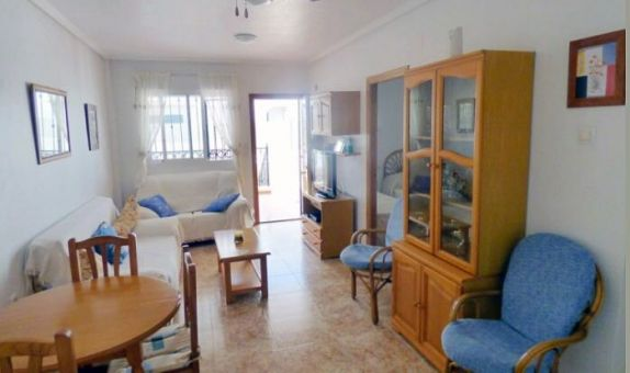 For long-term let: 2 bedroom apartment / flat in Punta Prima