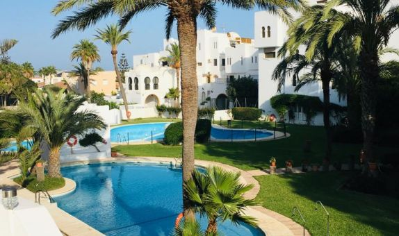 For long-term let: 2 bedroom apartment / flat in Roquetas de Mar