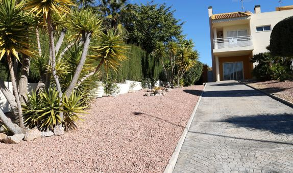 For sale: 3 bedroom house / villa in Alenda Golf
