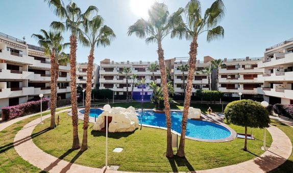 For short-term let: 2 bedroom apartment / flat in Playa Flamenca