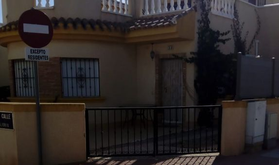 For sale: 3 bedroom house / villa in Roldán