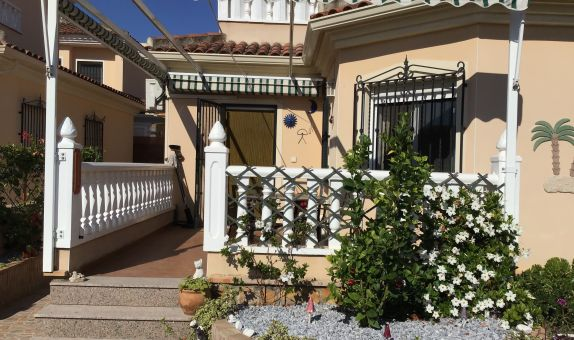 For sale: 3 bedroom house / villa in Almoradí