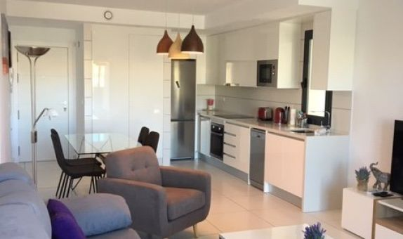 For short-term let: 2 bedroom apartment / flat in Orihuela Costa