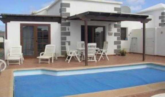 For sale: 2 bedroom house / villa in Playa Blanca