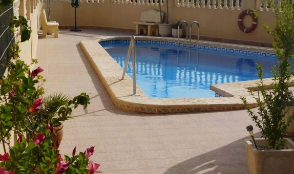 For long-term let: 2 bedroom apartment / flat in San Miguel de Salinas