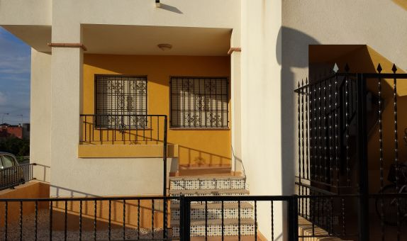 For long-term let: 2 bedroom apartment / flat in Orihuela