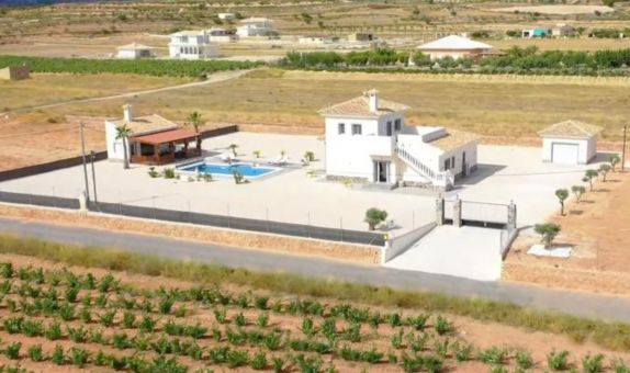 For sale: 4 bedroom house / villa in Pinoso / El Pinós