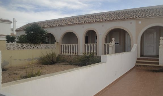 For sale: 2 bedroom bungalow in Balsicas