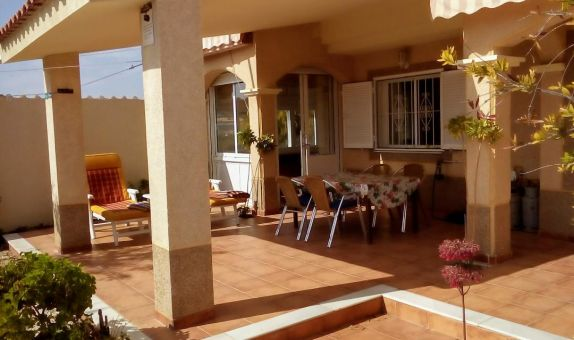 For sale: 2 bedroom house / villa in Mil Palmeras