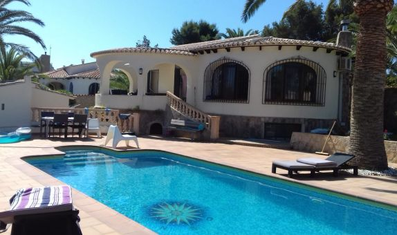 For short-term let: 4 bedroom house / villa in Javea / Xàbia