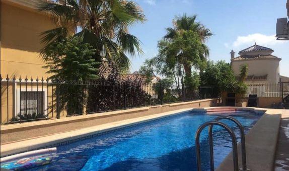 For short-term let: 3 bedroom house / villa in Orihuela Costa
